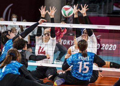 Katelyn Wright (L) and Heidi Peters (R) will be back on court with the women's sitting volleyball team on Friday for the semifinals versus China. PHOTO: Dave Holland/Canadian Paralympic Committee (CNW Group/Canadian Paralympic Committee (Sponsorships))